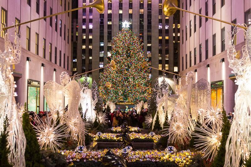 Rockefeller-Plaza-New-York-City-at-Christmas